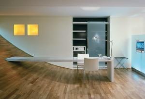parede e piso na mesma madeira