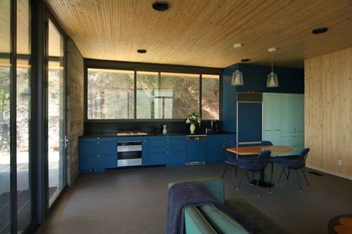 cozinha azul e madeira