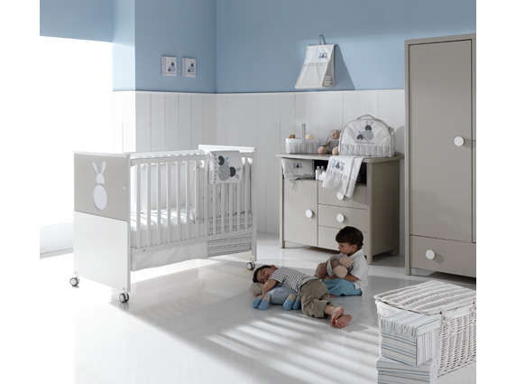 decoração quarto de bebê azul e branco