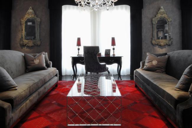 Tapete vermelho sofa cinza