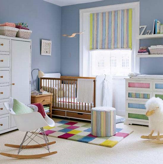 quarto colorido de bebe