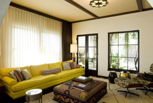 Casa da Id&a » Arquivos » O que fazer com um sofá amarelo?