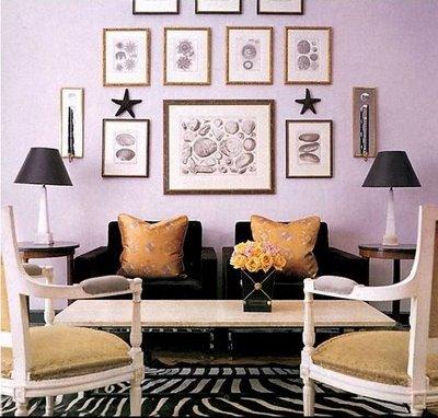 parede lilas sofa preto