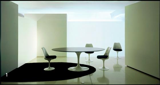mesa de jantar com cadeiras tulipa saarinen