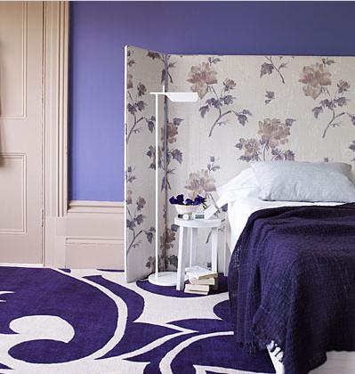 parede violeta de quarto