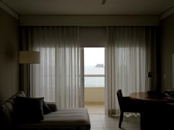 blecaute e cortina