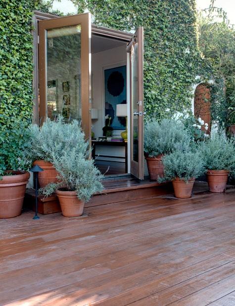 fachada com plantas