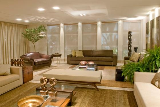Sala De Estar Marrom Com Vermelho ~ Um exemplo de sala de estar bem grande, em que um banco ou recamier