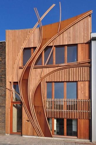 fachada diferente, de madeira
