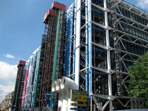 arquitetura brutalista industrial no museu pompidou