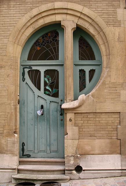 porta com janela redonda