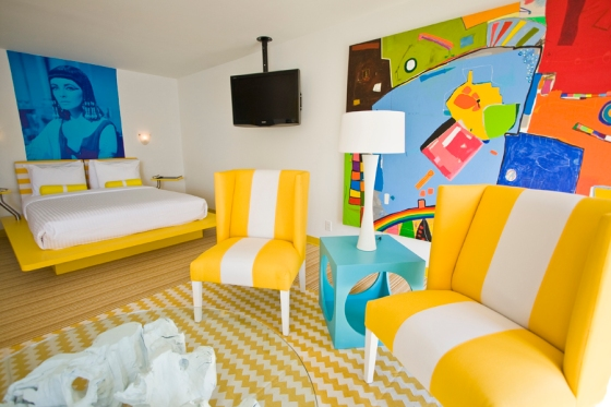 quadro colorido no quarto de hotel boutique lords south beach miami