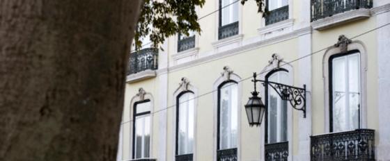 Hostel tem decoração Art Decó e mobiliário vintage