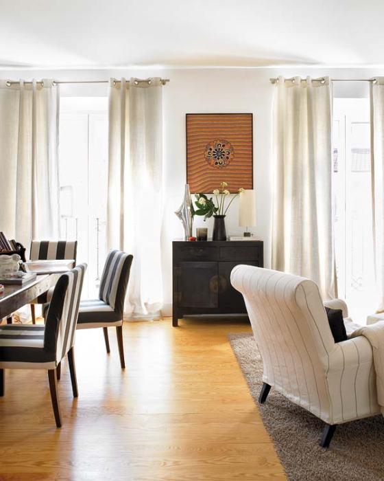 sala moderna em apartamento de madri