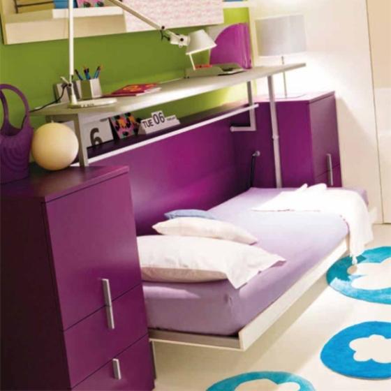 mesa de escritório, no quarto de visitas, pode se tranformar em cama