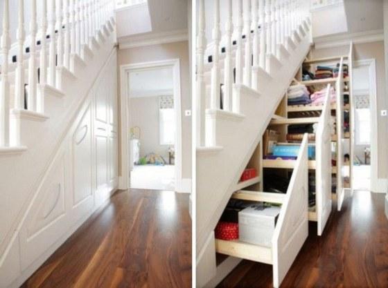 gavetas e prateleiras embaixo da escada para economizar espaço