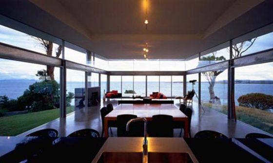 varanda de vidro em casa da Austrália