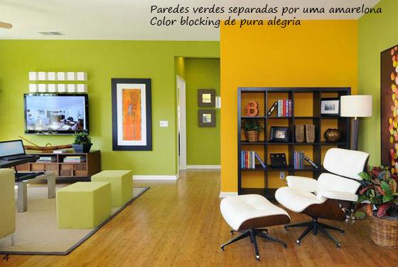 sala de estar moderna e alegre