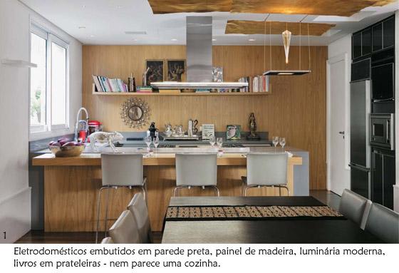 painel de madeira na cozinha